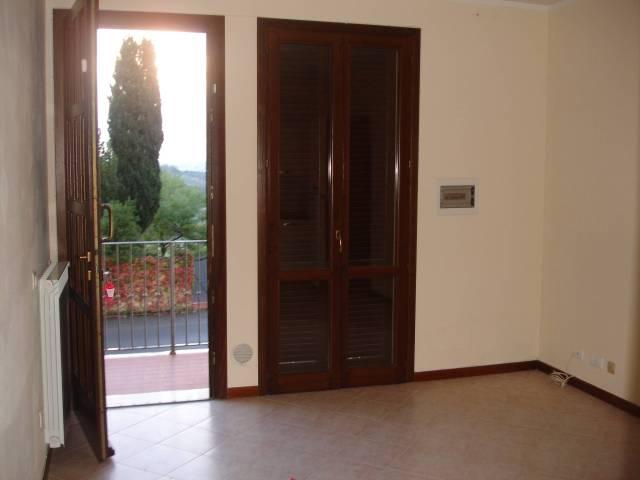 Appartamento in buone condizioni in affitto Rif. 7106370