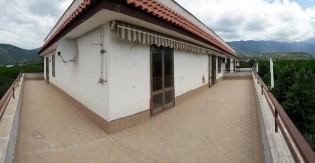 Appartamento in buone condizioni in vendita Rif. 6203858