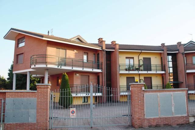 Appartamento in Affitto a Scalenghe Centro: 3 locali, 85 mq