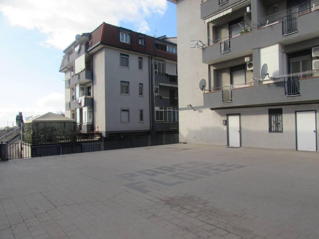 Appartamento in buone condizioni in vendita Rif. 8413695