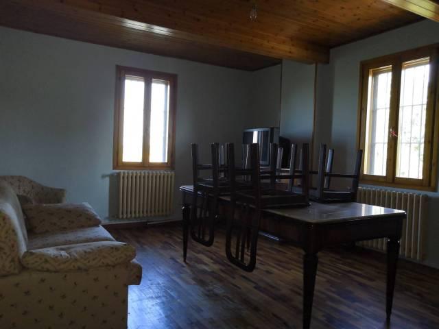 Appartamento in casa di campagna a Cortile di Carpi