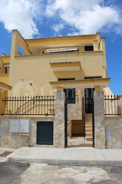 Casa indipendente in Vendita a Tuglie Centro: 2 locali, 66 mq