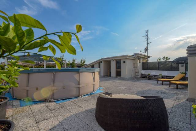 Appartamento in buone condizioni in vendita Rif. 7005636