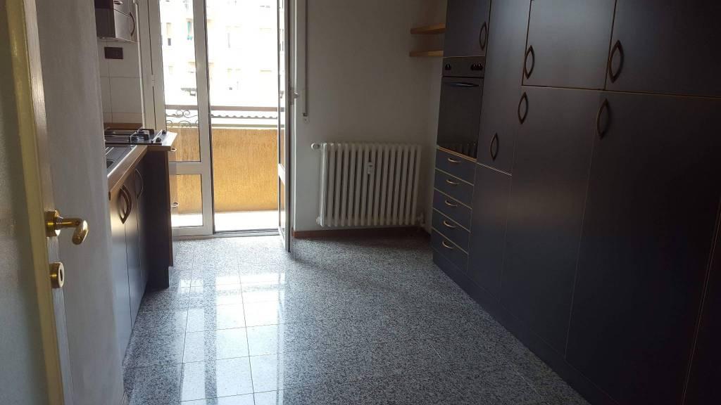 Appartamento in ottime condizioni parzialmente arredato in vendita Rif. 7122110