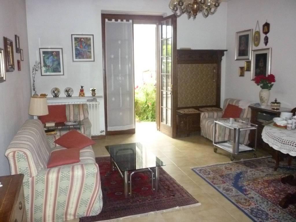 Villa a Schiera in vendita a Persico Dosimo, 5 locali, prezzo € 110.000   CambioCasa.it