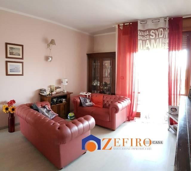 Appartamento in Vendita a Castel San Pietro Terme Centro: 4 locali, 130 mq