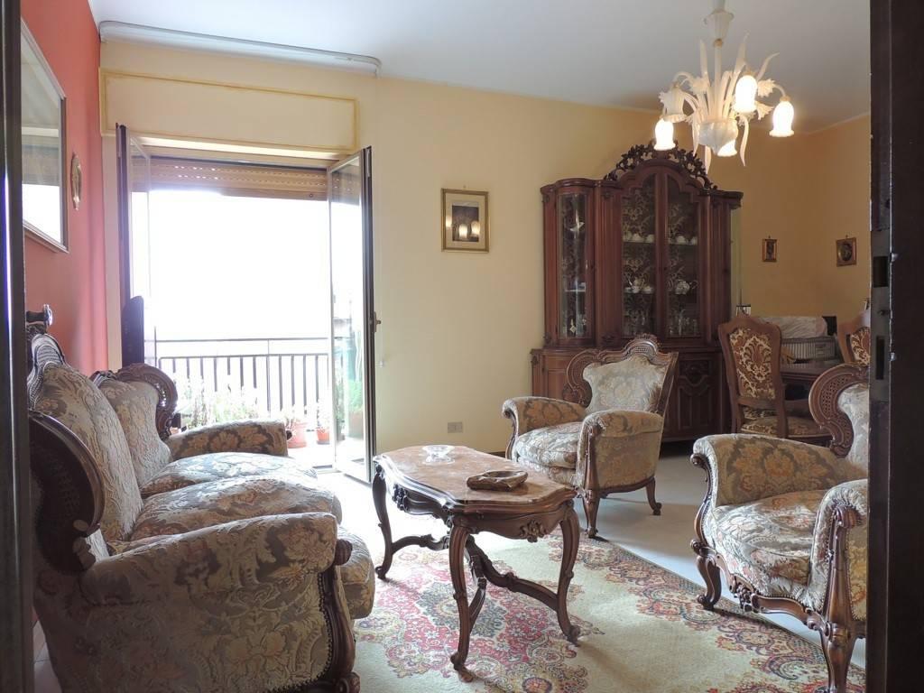 Appartamento in buone condizioni in vendita Rif. 7494872