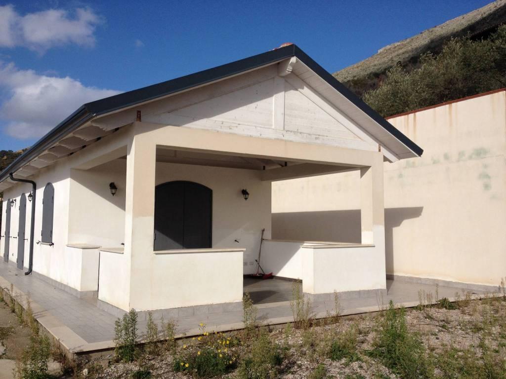 Villa in ottime condizioni arredato in vendita Rif. 7141474