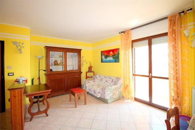 Appartamento in ottime condizioni arredato in affitto Rif. 7137886