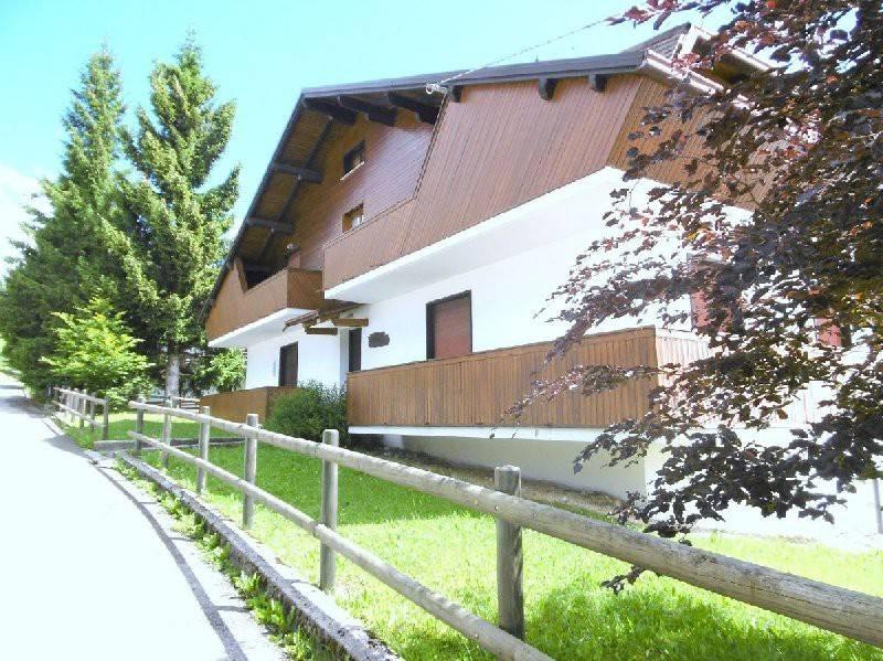 Appartamento in buone condizioni arredato in vendita Rif. 7140344