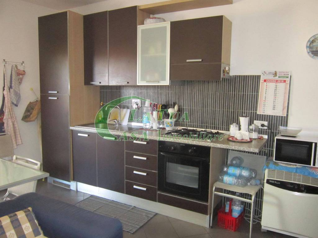 Appartamento in buone condizioni arredato in affitto Rif. 9226225