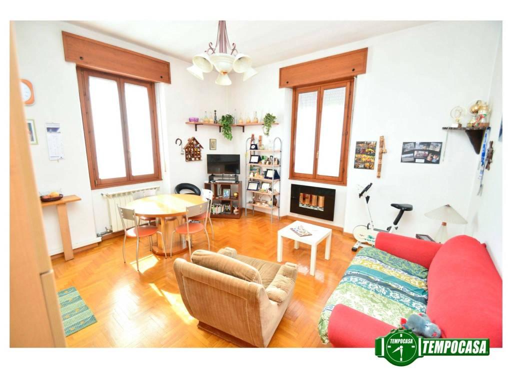 Appartamento in buone condizioni in vendita Rif. 7135582