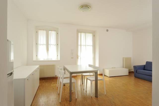 Appartamento in ottime condizioni arredato in affitto Rif. 7138927