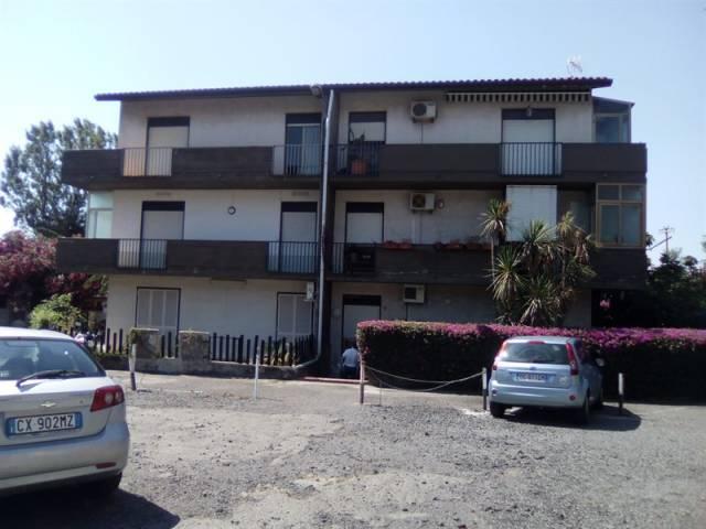 Appartamento in buone condizioni in affitto Rif. 7141380