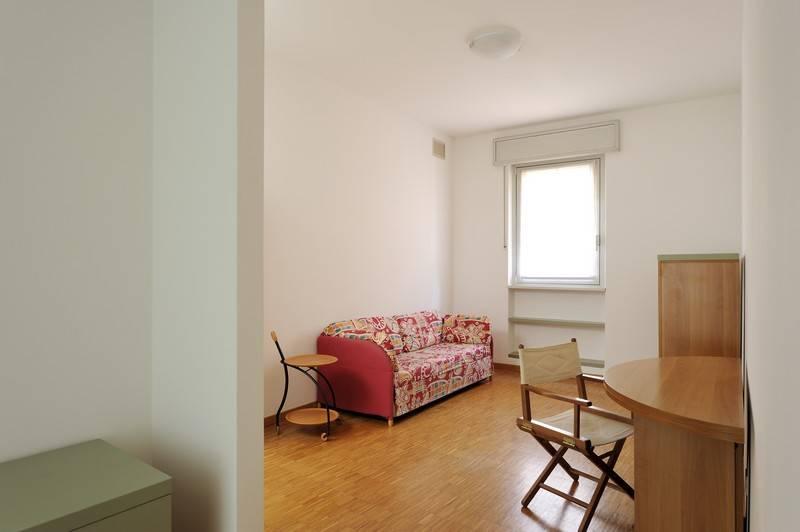Appartamento in ottime condizioni arredato in affitto Rif. 8831240