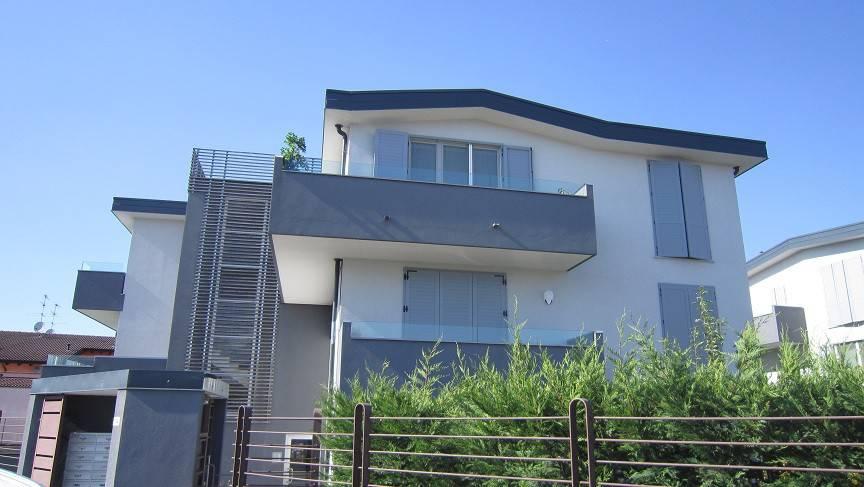 Appartamento in vendita a Montanaso Lombardo, 3 locali, prezzo € 160.000 | CambioCasa.it