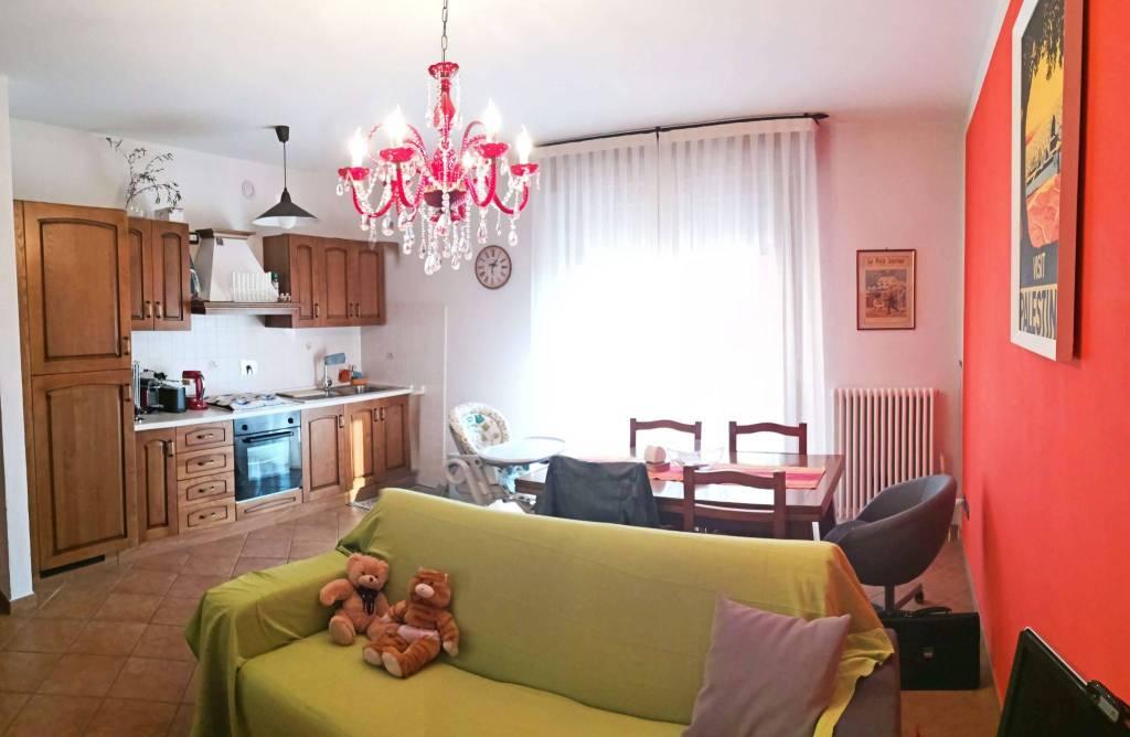 Mini appartamento del 2005 con garage e posto auto
