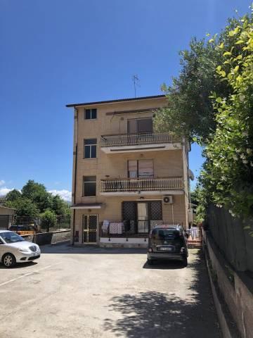 Appartamento in buone condizioni in vendita Rif. 7137450