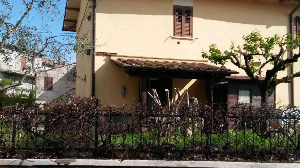 Casa Indipendente in buone condizioni in vendita Rif. 7138917