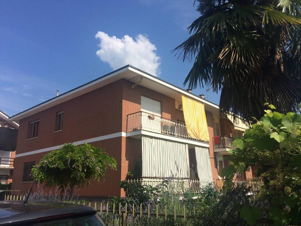 Appartamento in buone condizioni in vendita Rif. 8397525