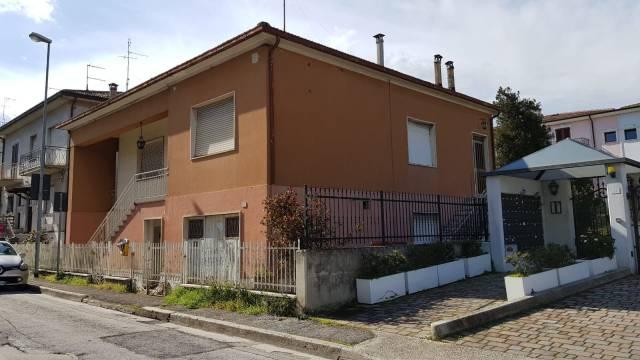 Casa Indipendente da ristrutturare in vendita Rif. 7135507