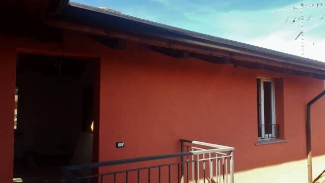 Appartamento in ottime condizioni in vendita Rif. 6598419