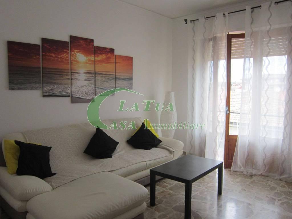 Appartamento in ottime condizioni arredato in affitto Rif. 7139355