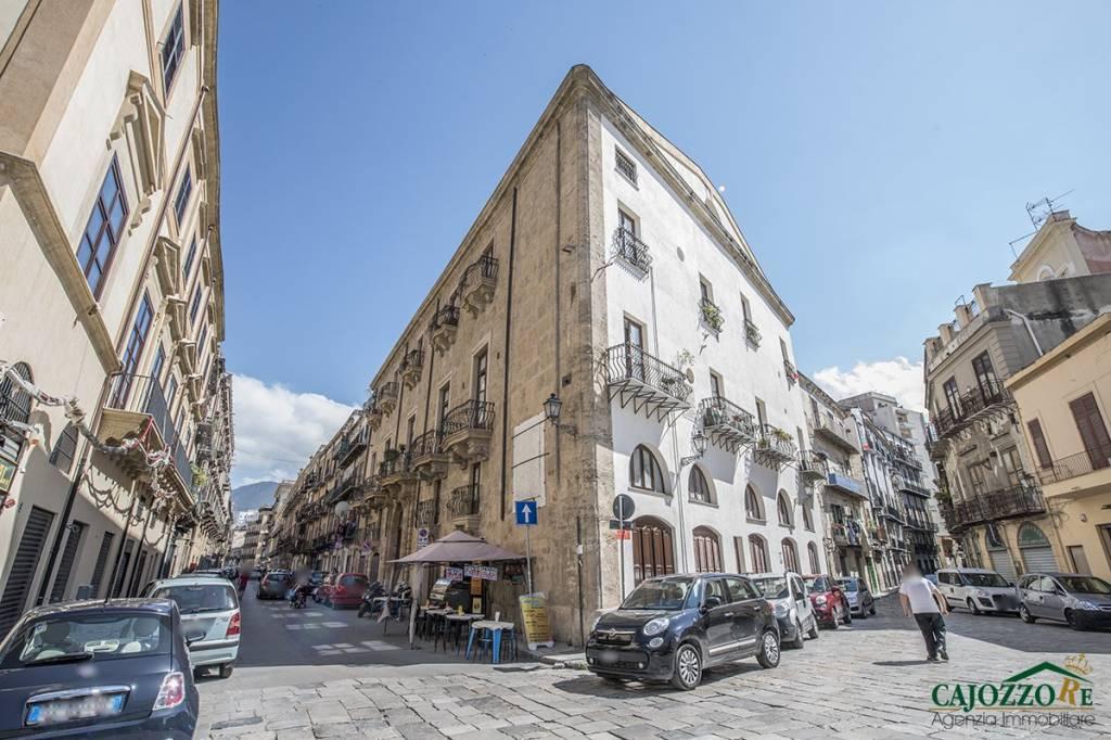 Divisi-Roma-Garibaldi magazz. 42mq Rif. 8606510