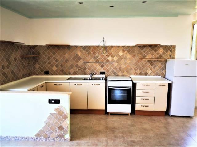 Appartamento in ottime condizioni arredato in affitto Rif. 7141292