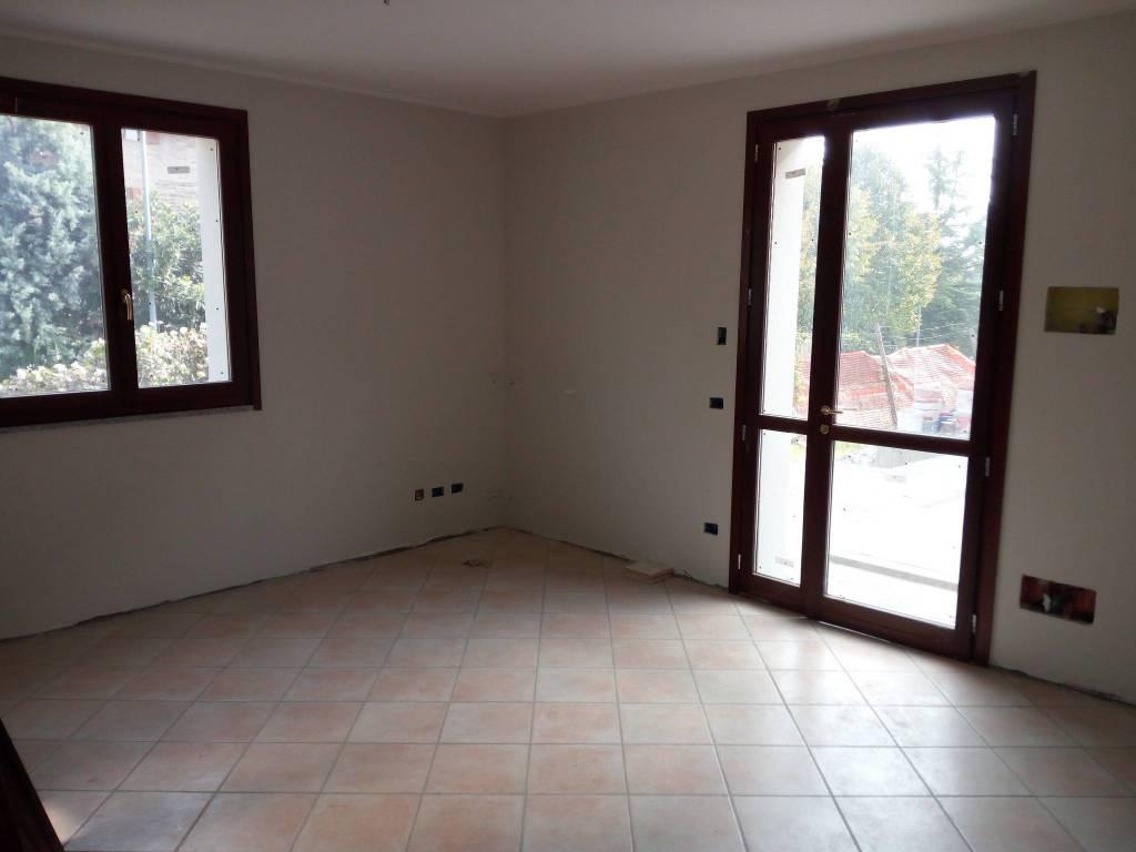 Appartamento in ottime condizioni in vendita Rif. 7768438