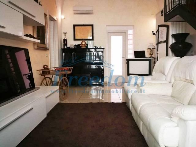Appartamento in Vendita a Catania Centro: 4 locali, 115 mq
