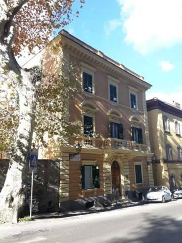Appartamento in buone condizioni in vendita Rif. 7147193
