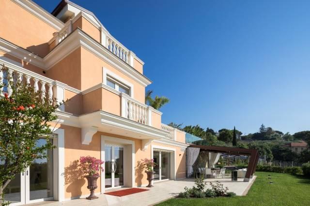 Villa in Vendita a San Remo Semicentro: 5 locali, 475 mq