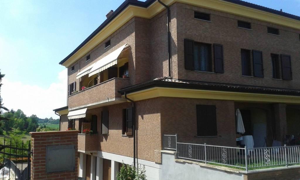 Appartamento in ottime condizioni in vendita Rif. 7768441
