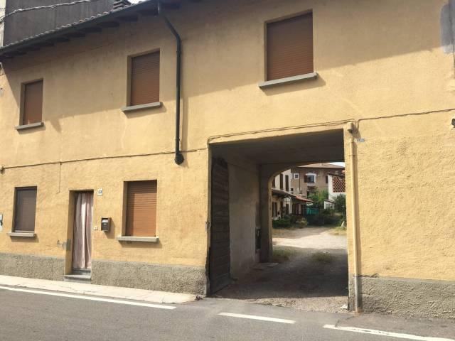 Appartamento in buone condizioni in vendita Rif. 7148228