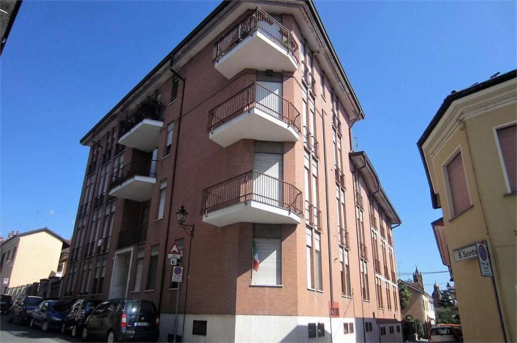 Foto 1 di Bilocale via San Secondo, 20, Bra