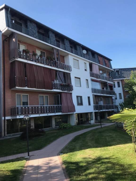 Appartamento in buone condizioni in affitto Rif. 7161966