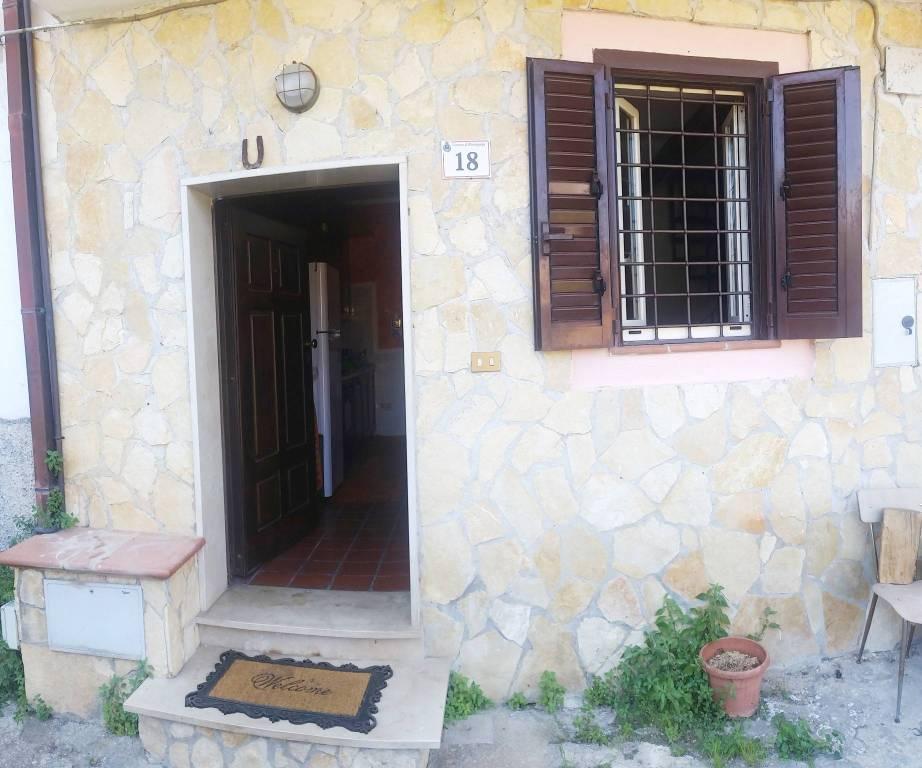 Soluzione Indipendente in vendita a Roccagorga, 2 locali, prezzo € 50.000 | CambioCasa.it