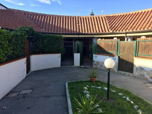 Appartamento in ottime condizioni arredato in vendita Rif. 7163063