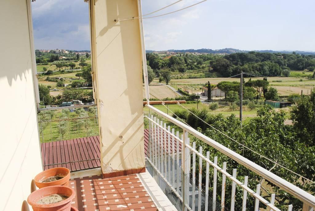 Appartamento in buone condizioni in vendita Rif. 8019472