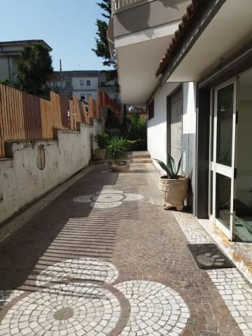 Appartamento in buone condizioni in vendita Rif. 7161181