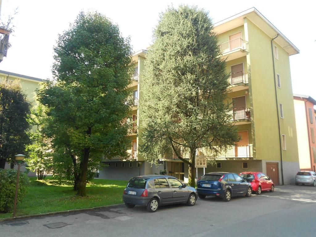 Appartamento in buone condizioni in vendita Rif. 7161204