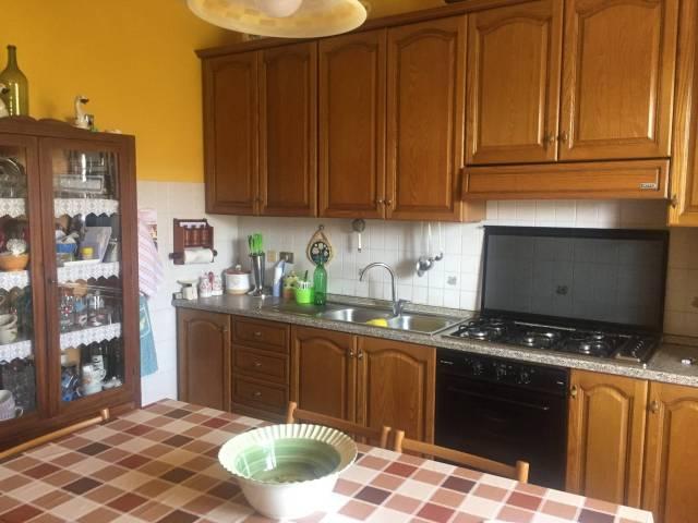 Appartamento in buone condizioni in vendita Rif. 7160622