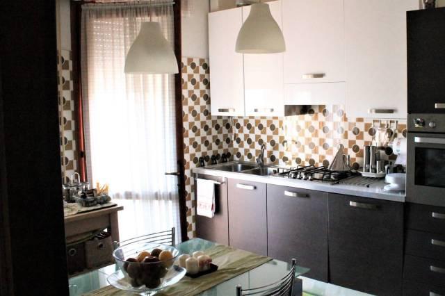 Appartamento in ottime condizioni parzialmente arredato in vendita Rif. 7199726