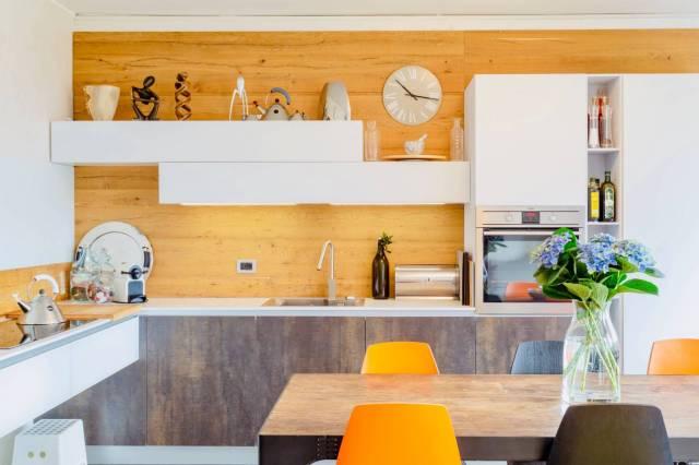 Appartamento in ottime condizioni parzialmente arredato in vendita Rif. 7162091