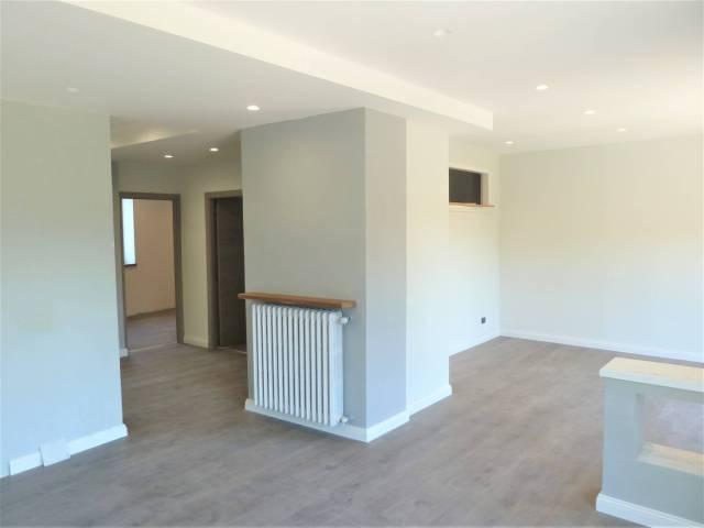 Appartamento in ottime condizioni in vendita Rif. 7161043