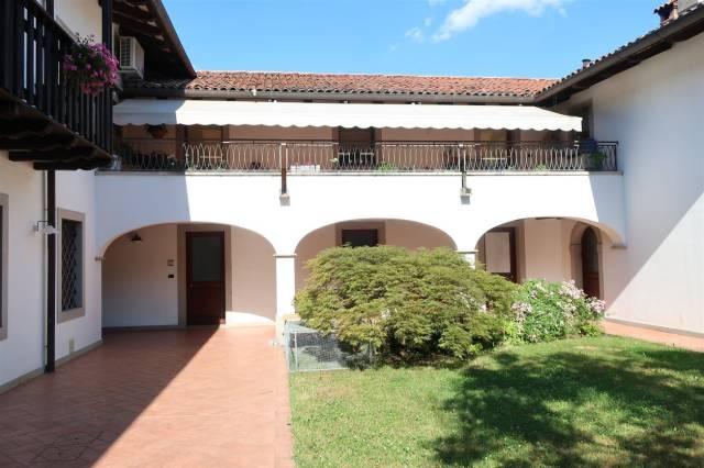 Appartamento in buone condizioni parzialmente arredato in vendita Rif. 7161813