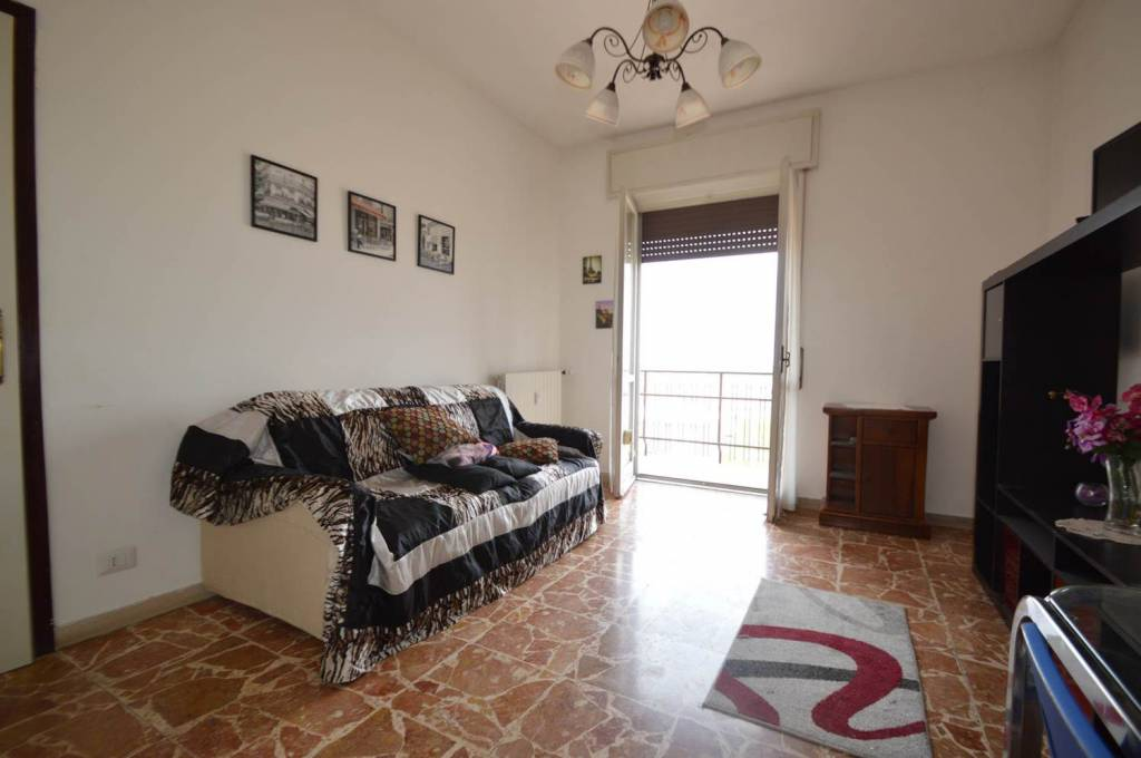 Appartamento in buone condizioni arredato in vendita Rif. 7364485