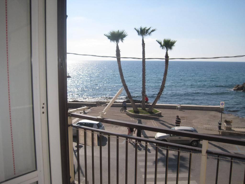 Appartamento in buone condizioni arredato in vendita Rif. 7253363