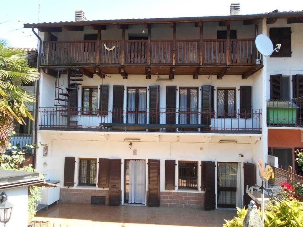 Foto 1 di Villa vicolo Vittorio Alfieri 5, Borgomasino